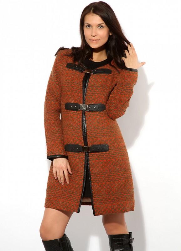 Модель пальто