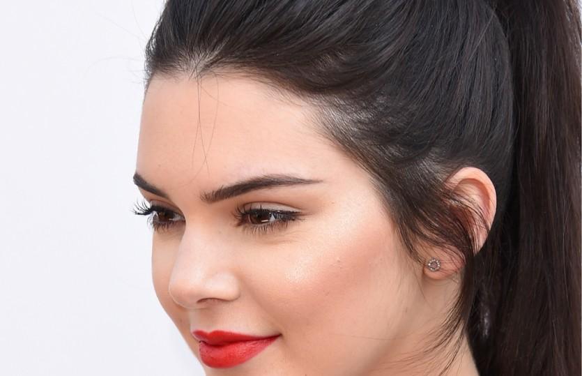 Стробинг — последняя тенденция в мире макияжа